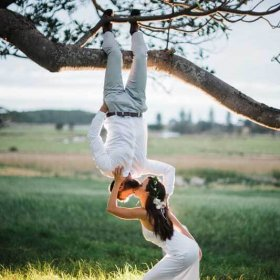 Fun Wedding Photo pose