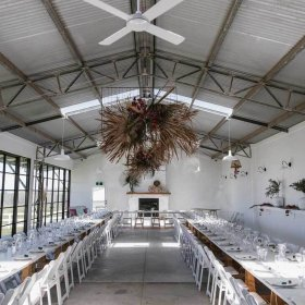 Seacliff House stunning barn decorations