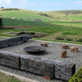 gerringong accommodation with firepit